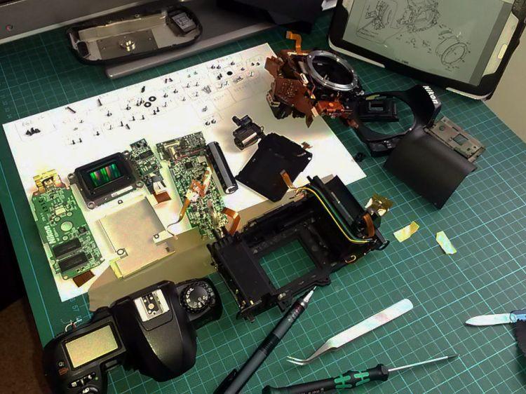 Nikon D100 taken apart